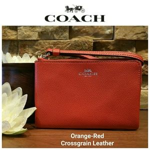 NEW Coach Leather Wristlet w/ gift box